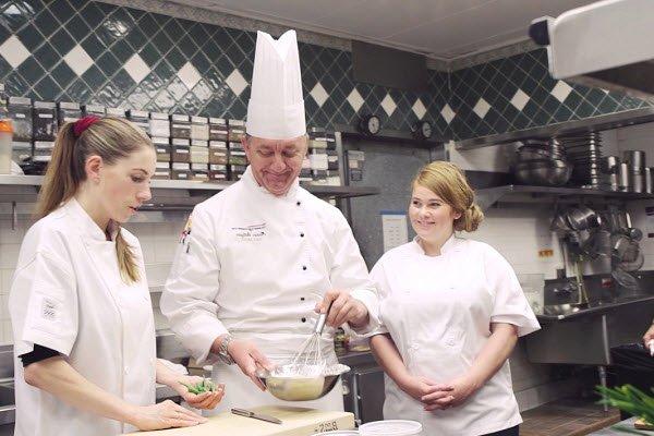 Học nghề bếp ở đâu tốt nhất
